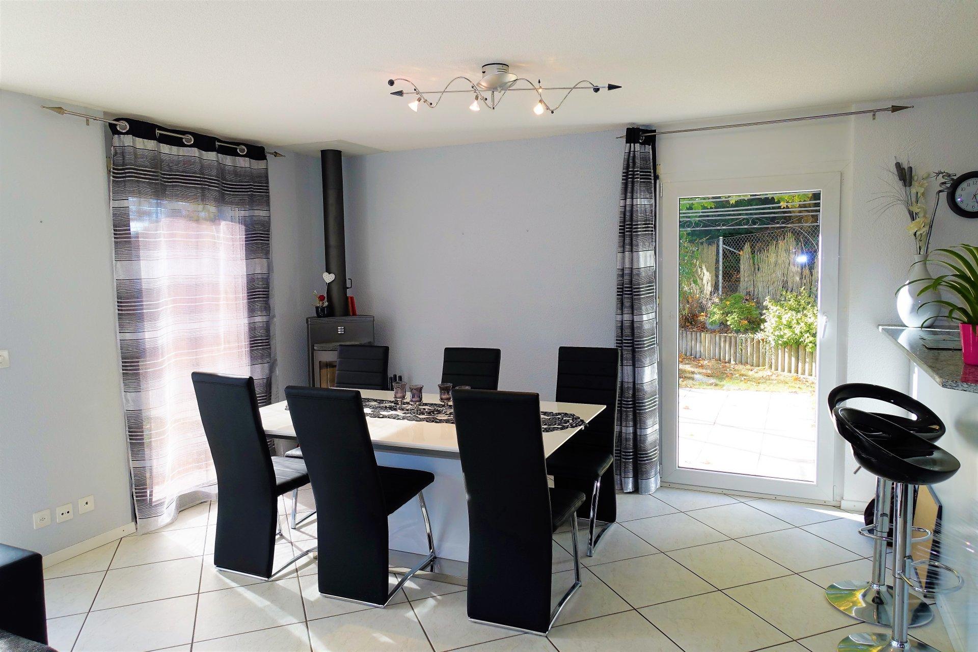 Contemporaine et spacieuse villa