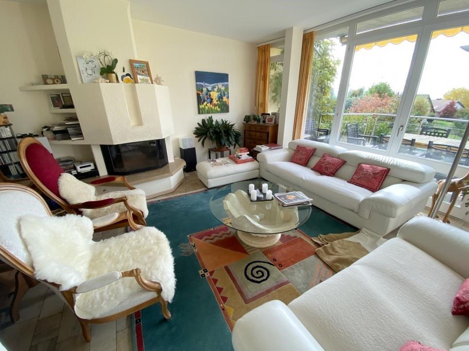 JOUXTENS-MEZERY - Belle villa jumelle 8.5 pièces