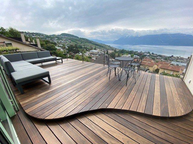 LUTRY - villa triplex avec vue panoramique du lac